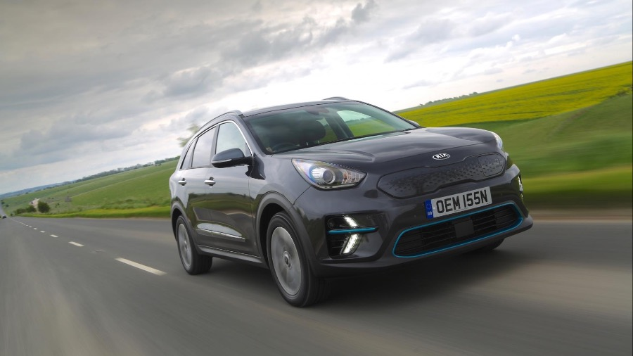 KIA BRIGHTENS UP WINTER WITH COLOURFUL SPECIAL EDITIONS OF PICANTO AND STONIC